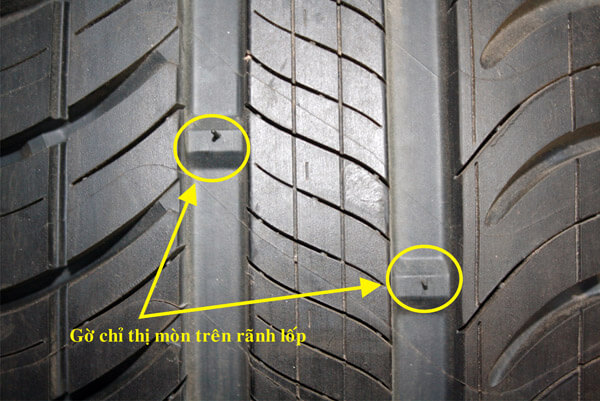 Kiểm tra độ mòn gai lốp để biết tình trạng của lốp xe